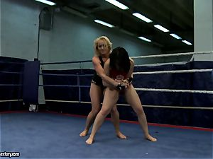 Aagell Summers and Kathia Nobili molten fight bare