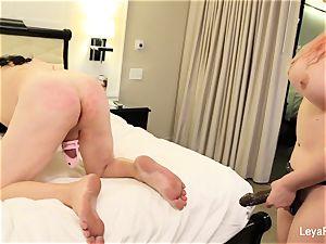 Leya ball splashes Sissy Jessica then plumbs his donk
