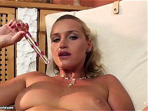 Kathia Nobili dildo boinking her rigid gash