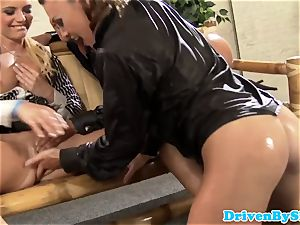 Glam girl-on-girl three pleasuring well-lubed up cunt