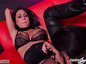 Jessica Jaymes banged by Alison Tyler using a belt cock
