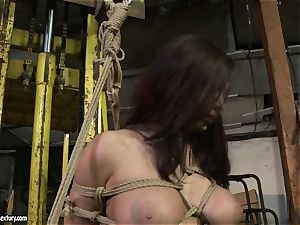 Kathia Nobili smacking the bootie of steamy woman with lash