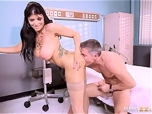 phat breasted doc Romi Rain gets her forearms on her ultra-kinky patient