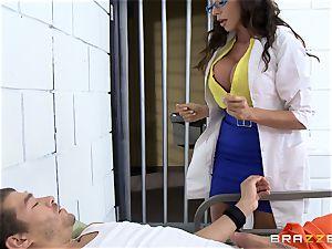 cool prison medic Ariella Ferrera wanks off her patient