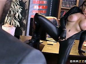 sensational agent Romi Rain gets cunny deep with the chief