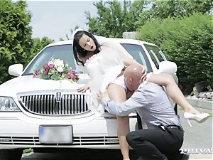 filthy bride takes her chauffeur's manmeat before her wedding