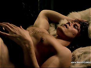 Caitriona Balfe in red-hot hook-up vignette from Outlander