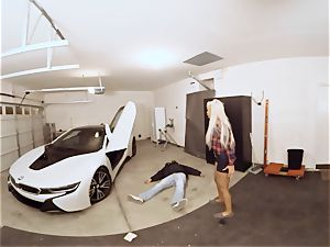 VR PORN-Hot mummy fuck The Car Theif