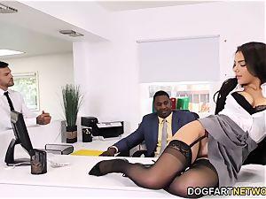 ebony Immigration Officer Wants Valentina Nappi's bum